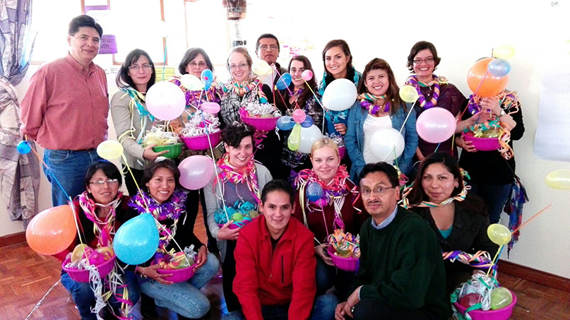 Les CARREFOURs EQWIP – EQWIP HUBs de la Bolivie célèbrent l'achèvement de l'adaptation du programme.